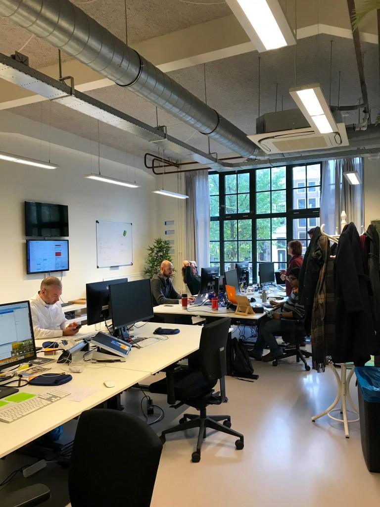 luscii holacratie zelforganisatie zelfsturing voorbeeld amsterdam